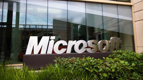Microsoft Zentrale 16:9 hires Firmenschild Building 99