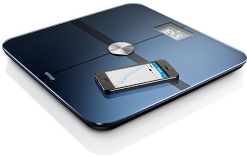 La balance de Withings mesure notamment le poids et l'indice de masse corporel. Les évolutions sont consultables sur smatphone.
