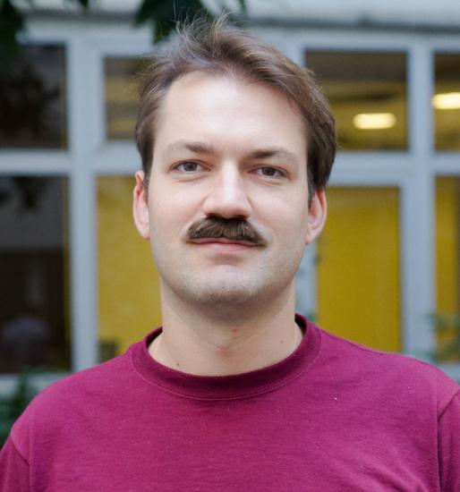 big-moustache-Nicolas-Gueugnier