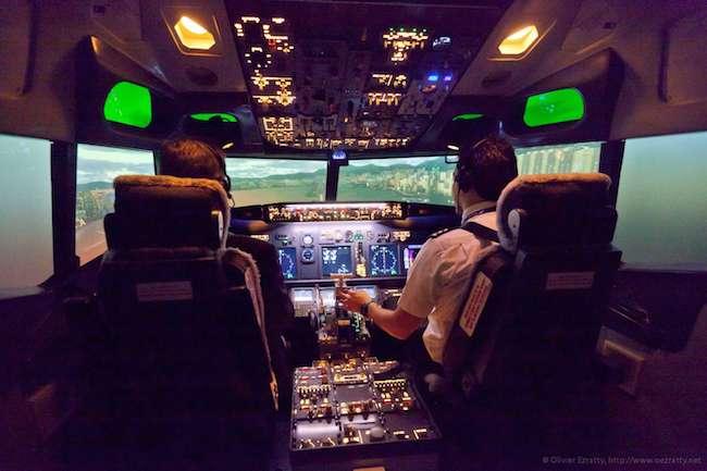 Cockpit 737 FlightExperience Paris (2)